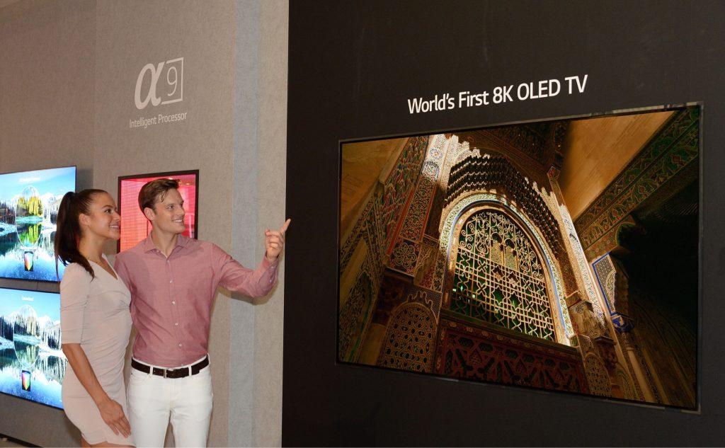lg tv oled 8k ifa 2018 03 1024x633 - LG apresenta a primeira TV OLED 8K do mundo